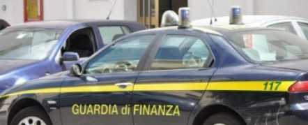 Blitz della guardia di finanza, sequestrati due distributori di carburante