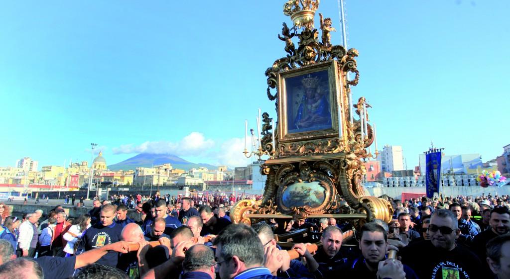 Il canto alla Madonna della Neve di Torre Annunziata