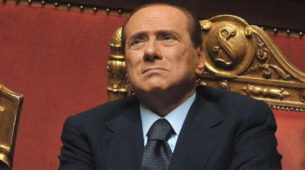 L'Italia acclama Silvio Berlusconi