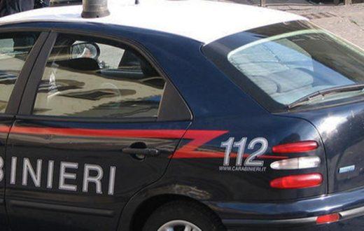 Violenza a Napoli,ruba un auto ma viene aggredito dalla folla durante la fuga