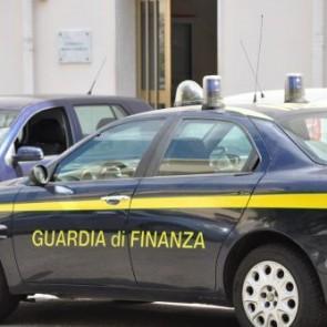 Blitz della guardia di finanza, sequestrati due distributori di carburante