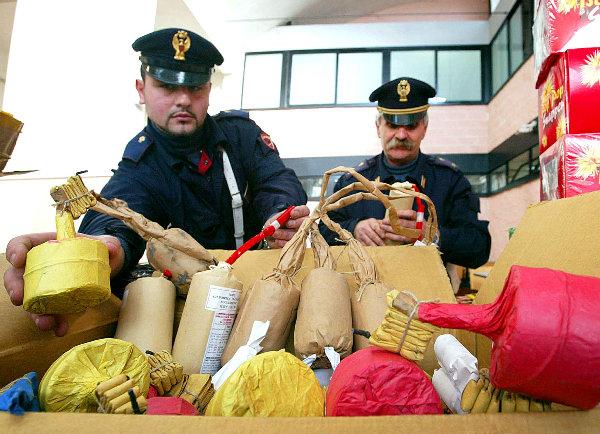 Sequestrati 32 kg di botti illegali ad Ercolano