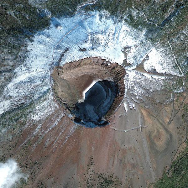 Bocca del Vesuvio da satellite - digitalglobeblog