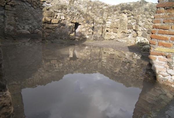 Gli scavi di Pompei travolti dall'acqua