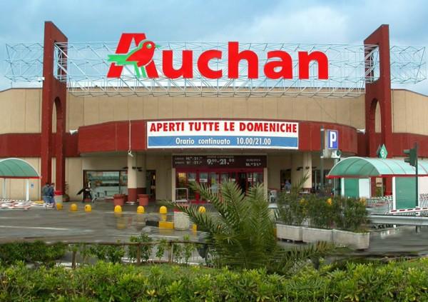 Trafugati 200 euro di cosmetici all'Auchan di Pompei