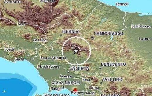 Il terremoto sveglia Napoli
