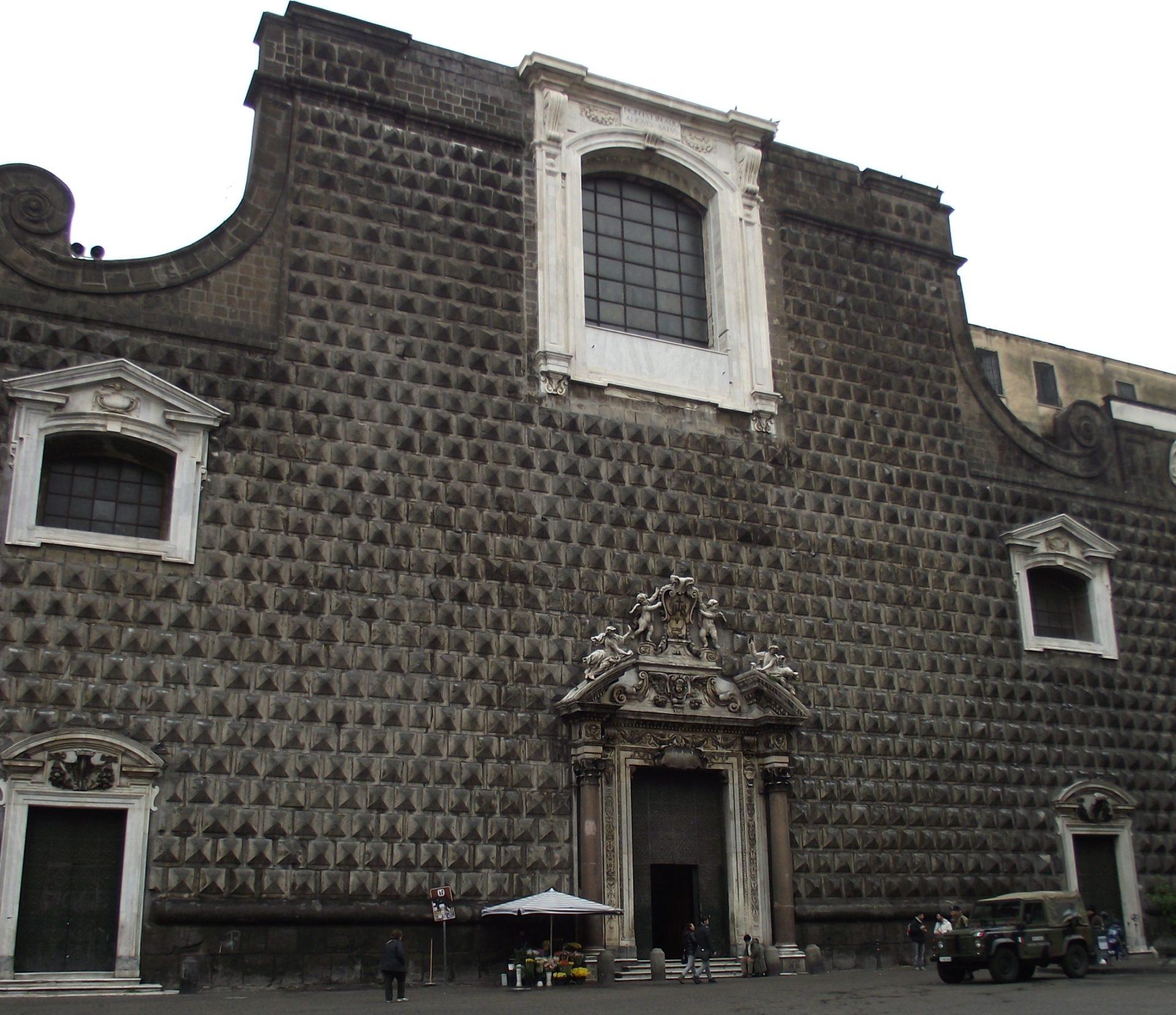 Salerno Letteratura: Il Bugnato Della Chiesa Del Gesù Nuovo: Tra Esoterismo E