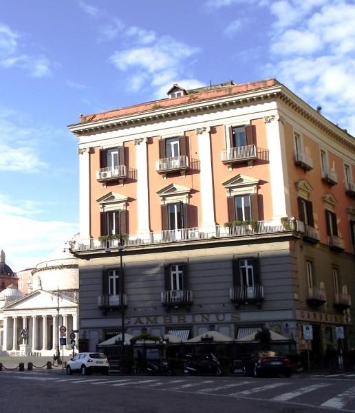 Gambrinus e Piazza del Plebiscito
