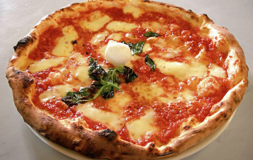 La storica pizzeria Brandi non viene risparmiata dalla crisi