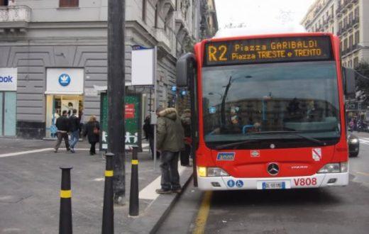 aggressione, R2, pullman, anm, piazza municipio