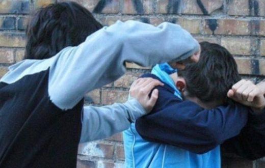 Ragazzino steso con un pugno da un compagno, è arrivato il Knockout game a Castellammare