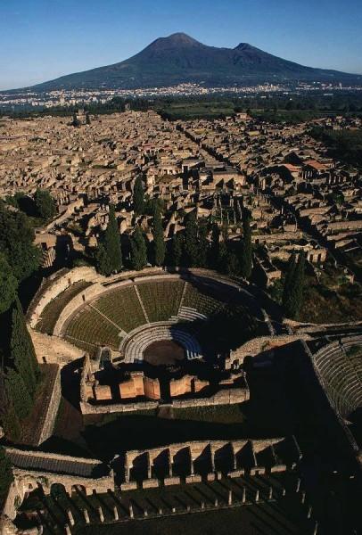Pompei, panoramica anfiteatro