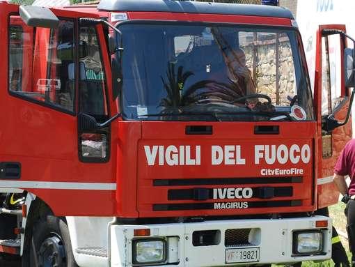 Una bomba carta terrorizza Pompei, danneggiato un negozio