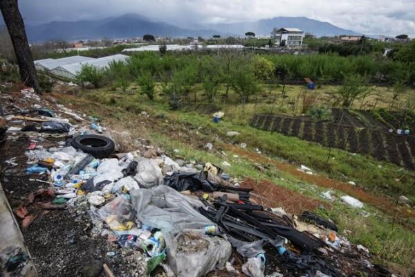 Incontri di sensibilizzazione e telecamere per combattare lo sversamento abusivo di rifiuti a Boscoreale