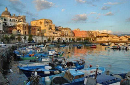 Revocati gli arresti domiciliari per i ladri di gasolio al porto di Torre Annunziata
