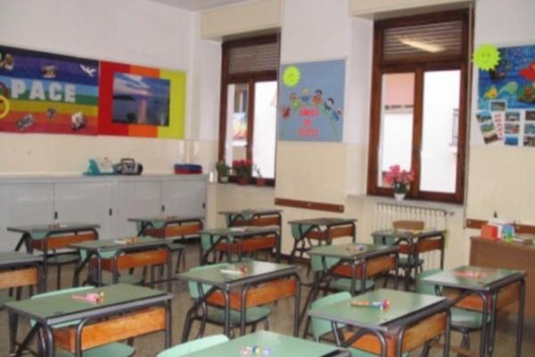 Raid vandalico a Boscoreale, rubati 10 pc per disabili da una scuola elementare