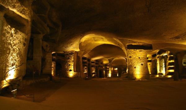 Catacombe di San Gennaro: una maestosa città nel sottosuolo di Napoli