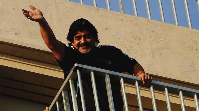 Maradona progetta il ritorno a napoli e 39 sempre nel mio for Progetta il mio mazzo