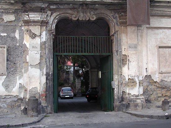 Portici_-_Villa_Starita,_portale_d'ingresso