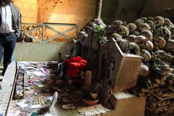 Altarino cimitero fontanelle