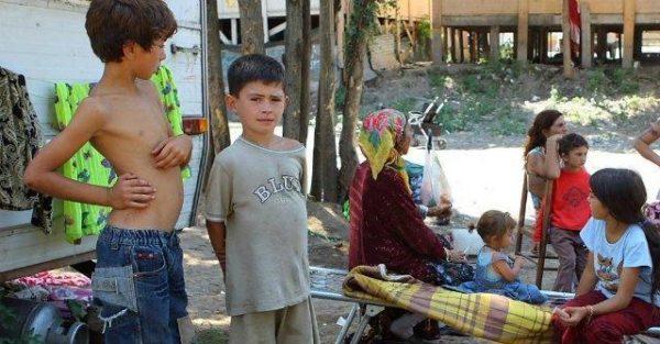 bambini-rom-interna