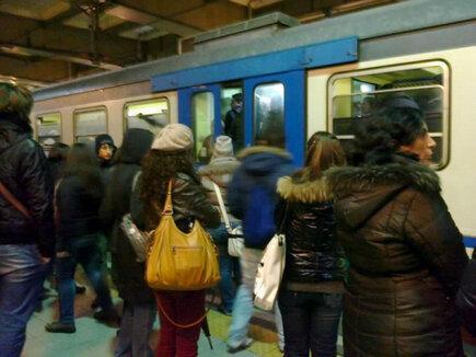 pendolari metro Napoli