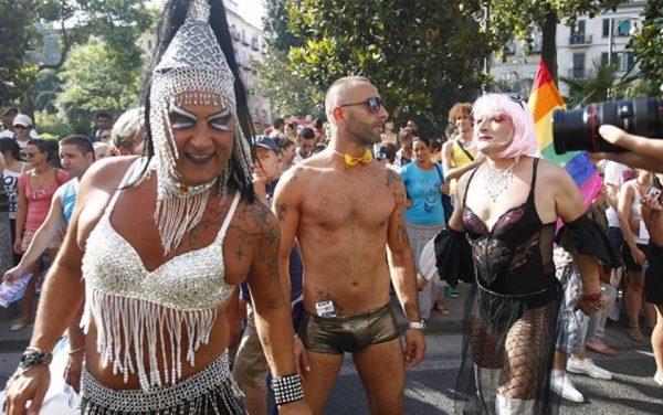 gay bakeca napoli gigolo roma