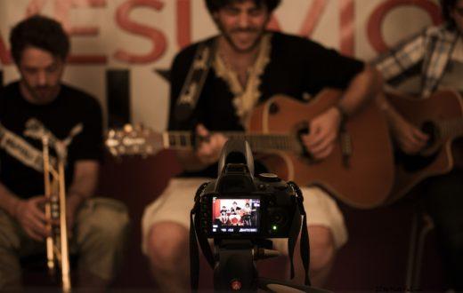 La maschera live acoustic