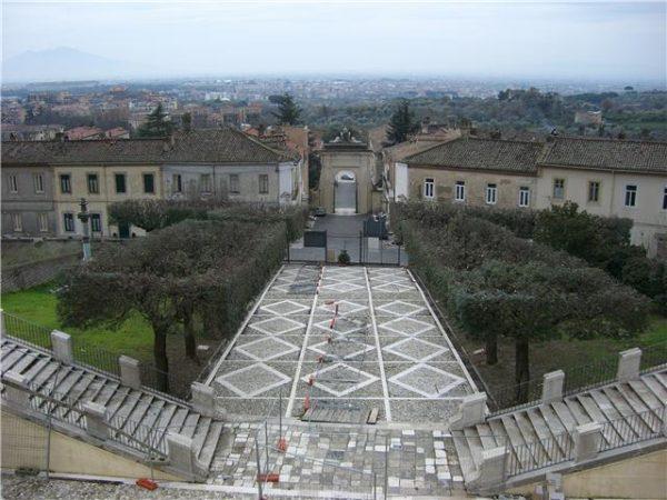 san-leucio-borgo
