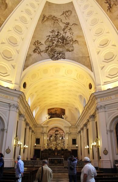 Chiesa S.ssa Trinità Pellegrini, interno