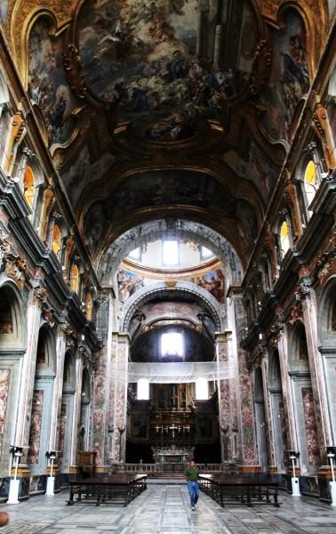 Chiesa santi Severino e Sossio, interno
