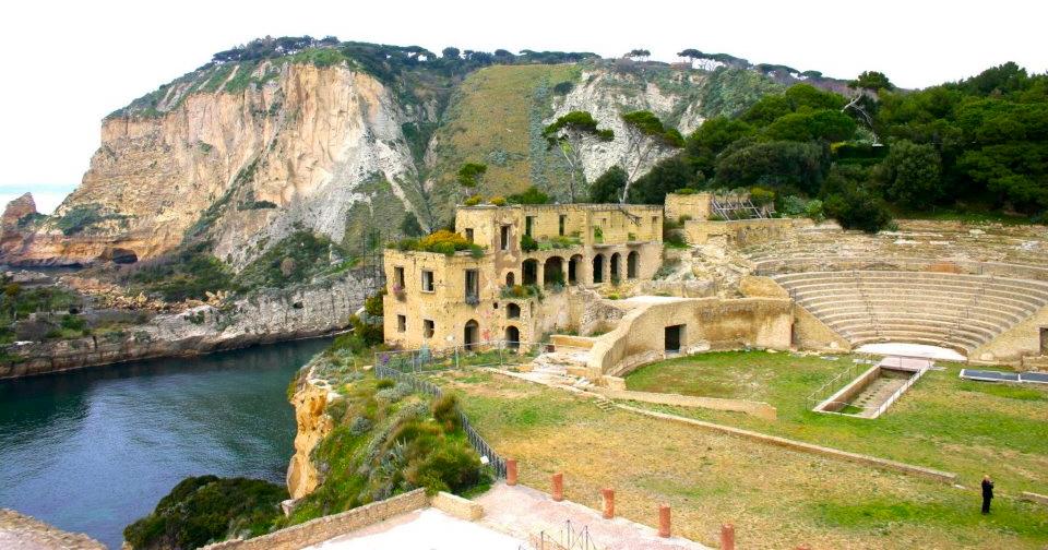 Incantati dal pausilypon ozio e spiriti imperiali - Villa mirabilis piscina ...