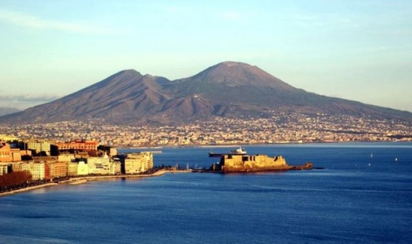"""L'appello: """"Sono piemontese e voglio trasferirmi a Napoli, qualcuno mi aiuti"""""""