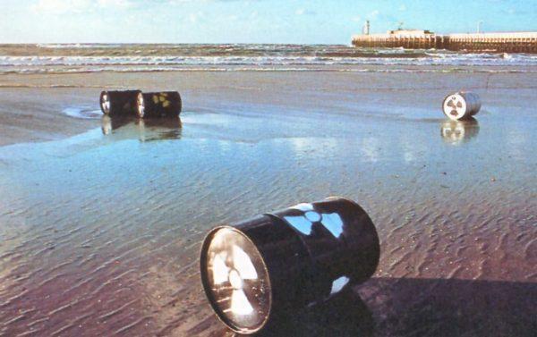 Fusti radioattivi nei mari del Sud