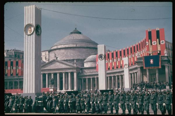 Hitler a Napoli - Quattro Giornate di Napoli