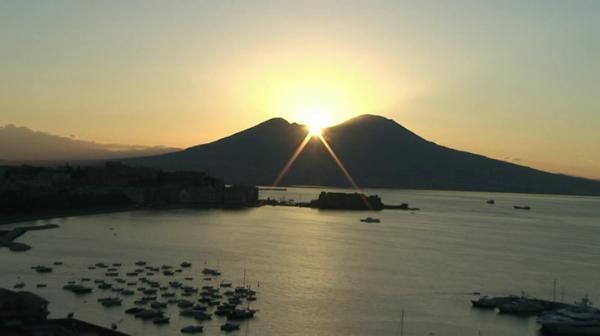 Napoli - Il Vesuvio all'alba