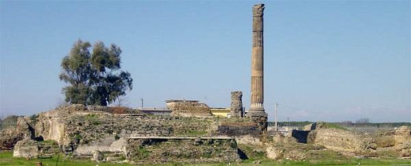 Il tempio del foro. Parco e Museo Archeologico di Liternum