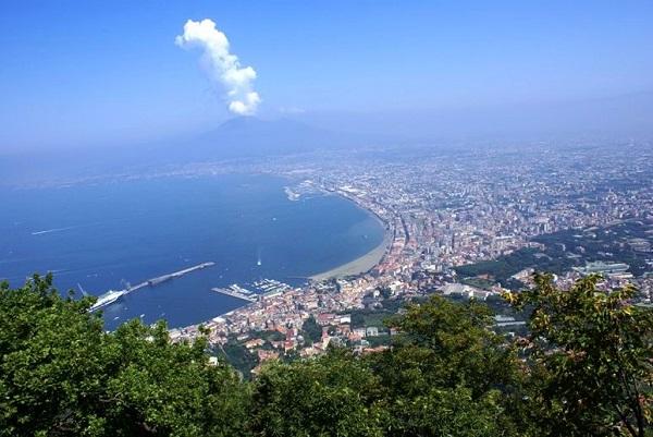 Napoli vista da Sorrento