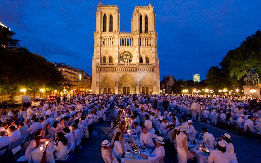 Paris, white dinner