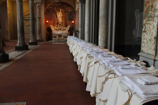 Santa Restituta, abiti sacri