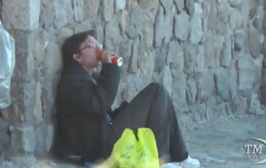 Vanessa - Perde il lavoro e vaga per l'Europa senza soldi: ora è a Capri