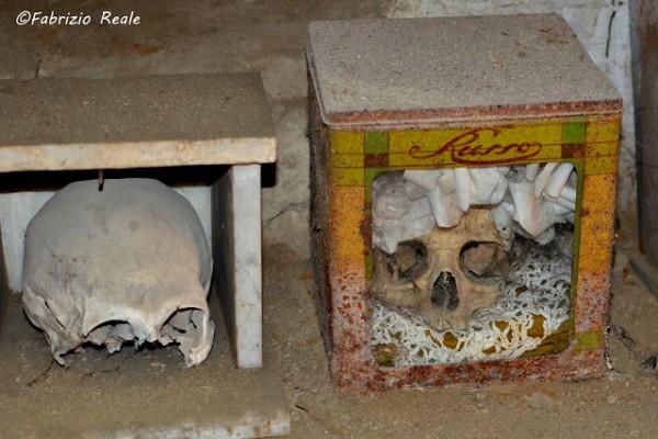 cimitero delle fontanelle napoli 8