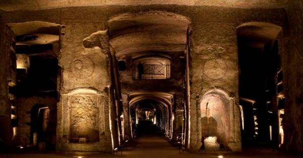 le luci di dentro, catacombe di San Gennaro