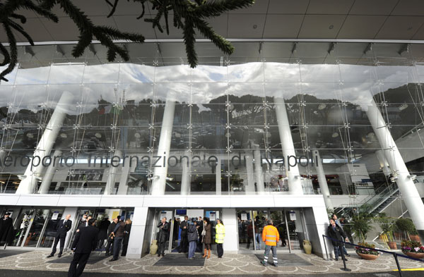 aeroporto napoli berlino giornalista francese