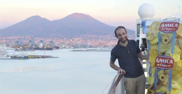 Amica Chips, spot a Napoli