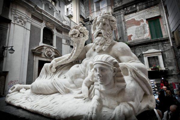 Largo Corpo di Napoli - Statua del Nilo