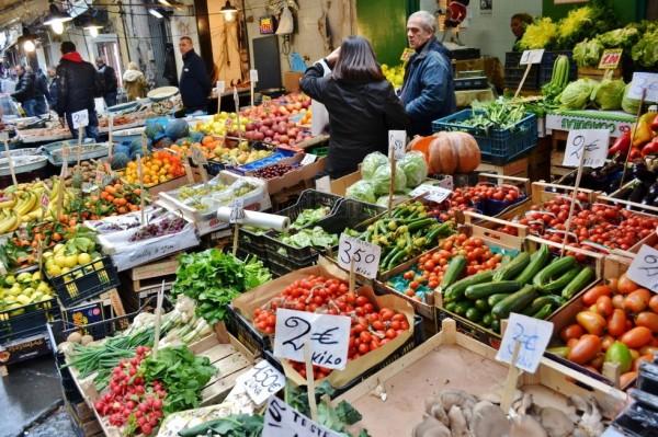 I 5 mercati pi caratteristici di napoli secondo agrodolce - Mercato di porta nolana ...