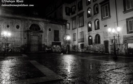 Piazza Banchi Nuovi Napoli in bianco e nero