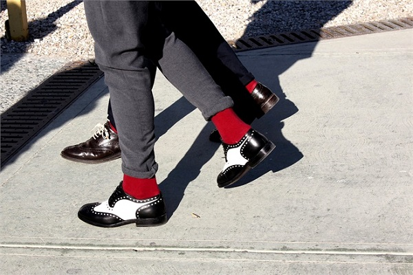 'o sanzaro - calze rosse