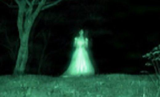 fantasma di donna